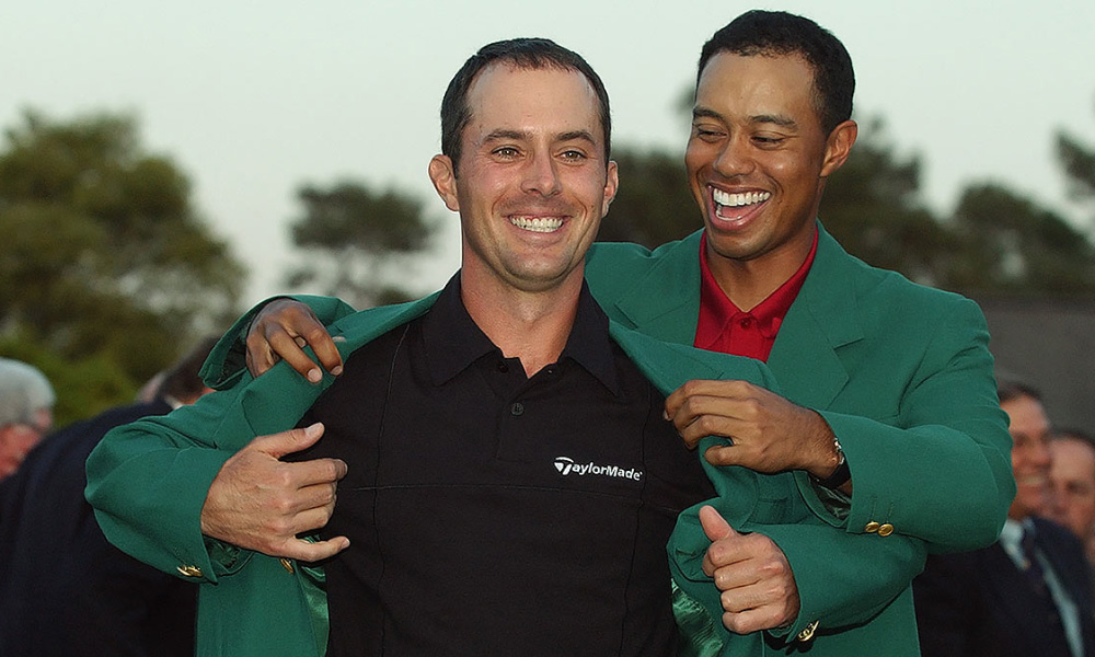 Mike Weir getting his green jacket from the 2003 Masters